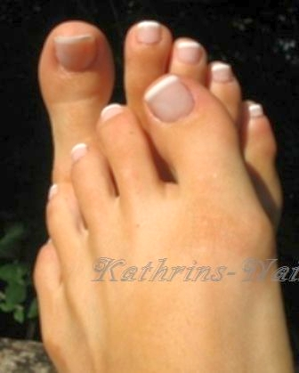 Frenchfootnails-White-2